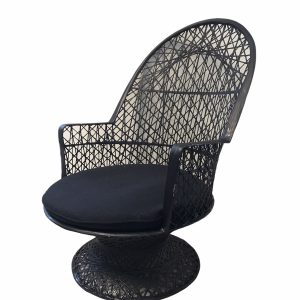 Vanessa Lounge Chair White / Black with cushion